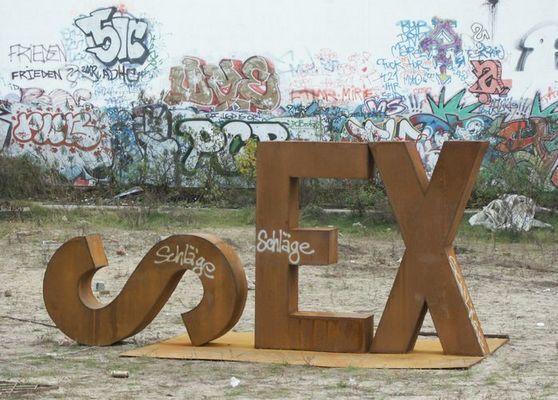 ::: SEX :::