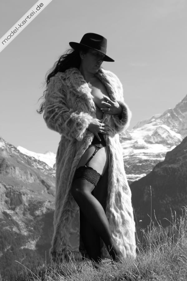 Sexy Woman in the natur