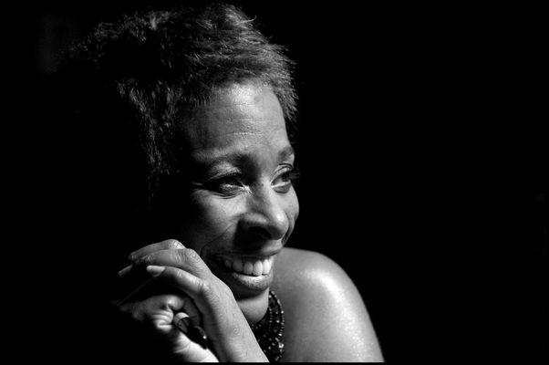 Shakura S'aida, Jazz- und Bluessängerin