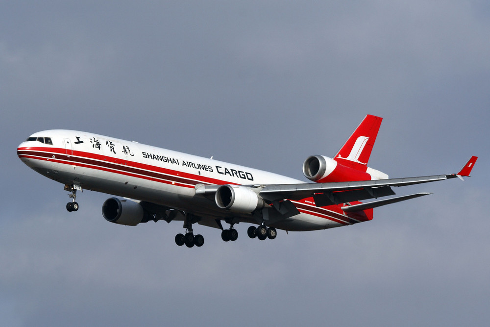 Shanghai Airlines Cargo McDonnell Douglas MD-11F