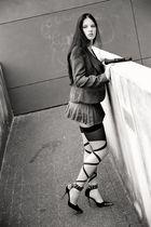 She # 1245 ( An der Mauer, auf der Lauer )