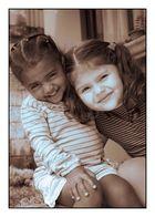 Sheryl y Maripaz primas y amigas.