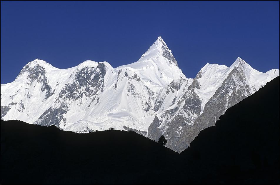 shispare (7611 m)