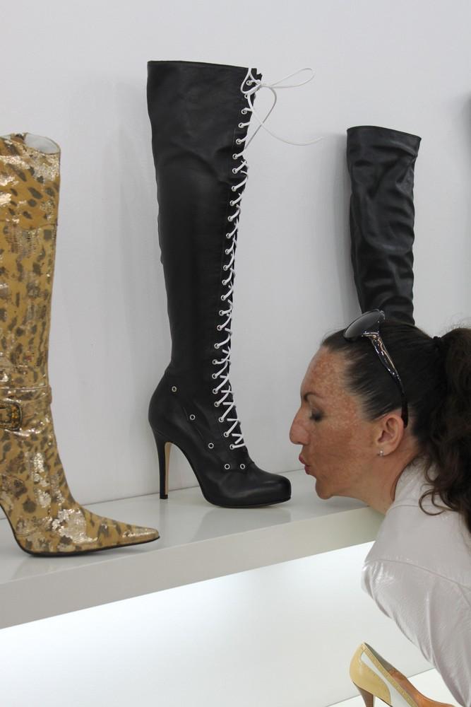Shoes - A Girl`s Best Friend (Schuhe - der beste Freund der Frau)