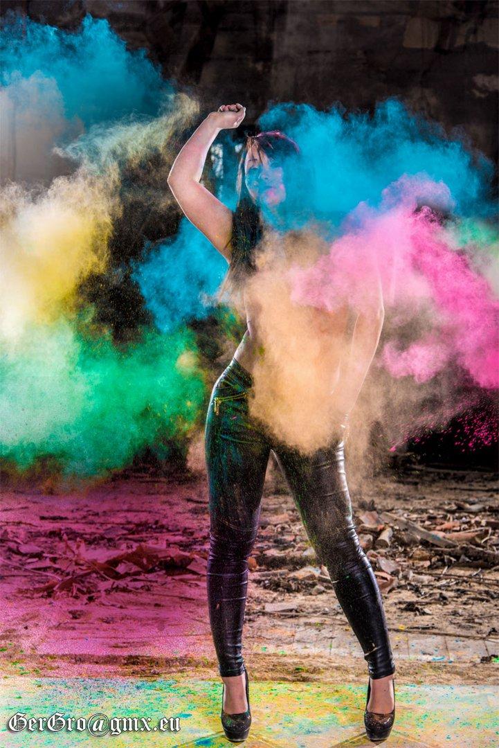 Shooting mit Holi-Farben 1