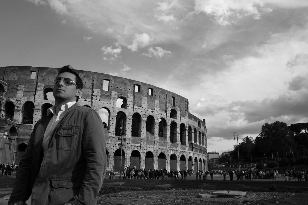 Shooting vor dem Colosseum