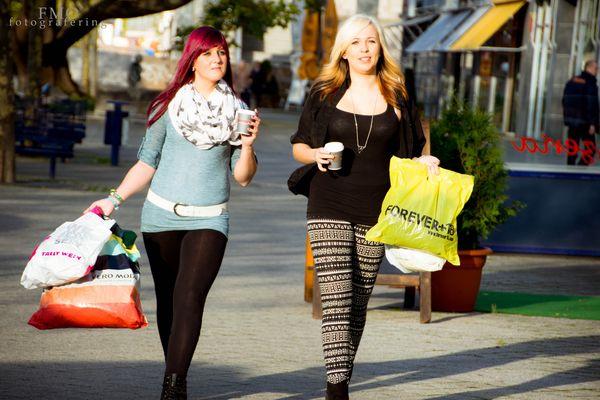 Shopping Queens
