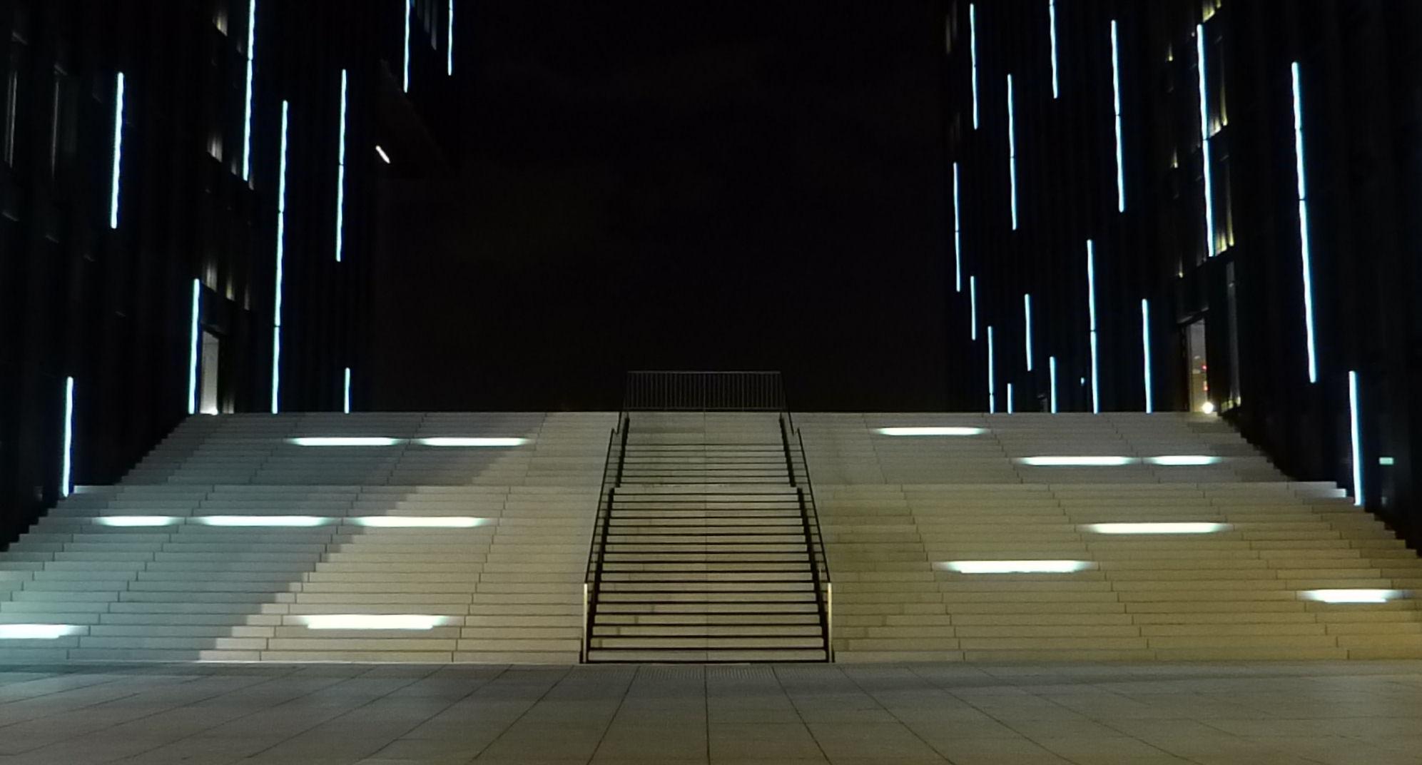 Showtreppe bei Nacht