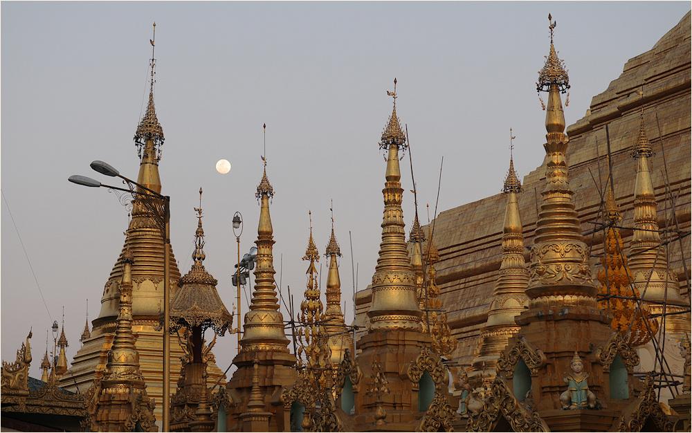 Shwedagon Detail