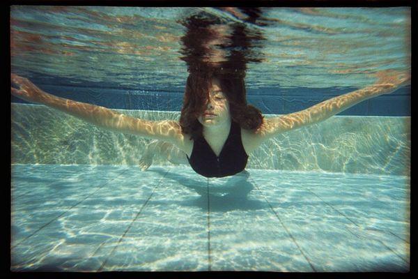Sich treiben lassen - Entspannung unter Wasser