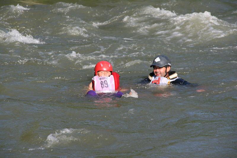sicher schwimmen ist wichtig und macht auch noch Spaß