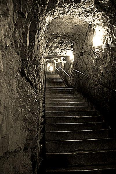Sicherheit vor dem Feind, aber erst tief im Inneren der Festung