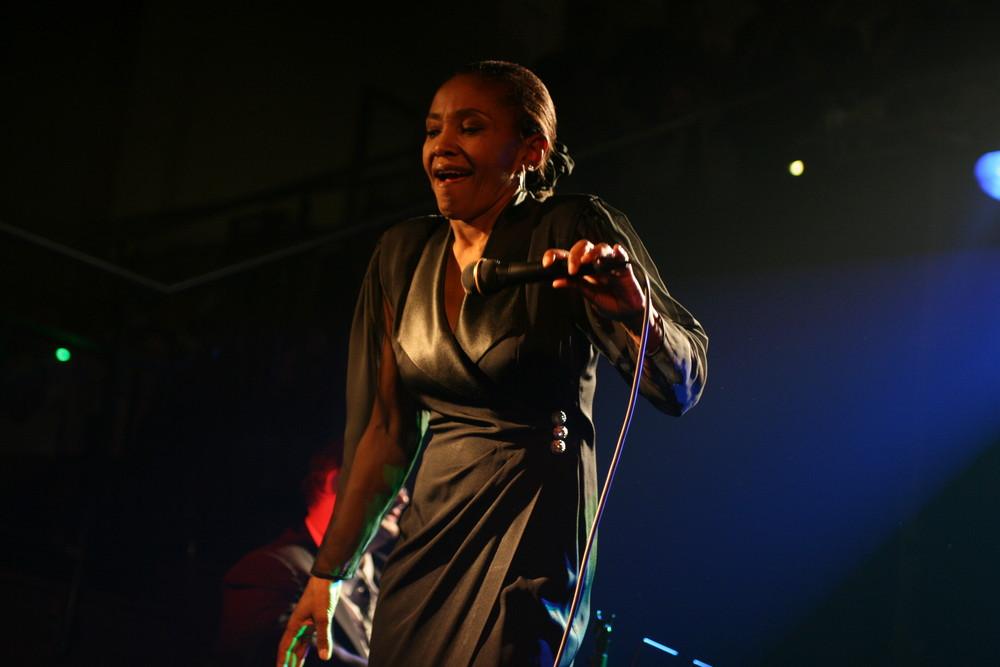 Sidney Ellis singt Blues
