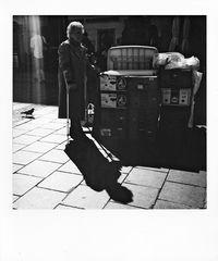 Sie hat noch einen Koffer in Berlin !