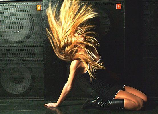 Sie hört Musik nur wenn sie laut ist.....