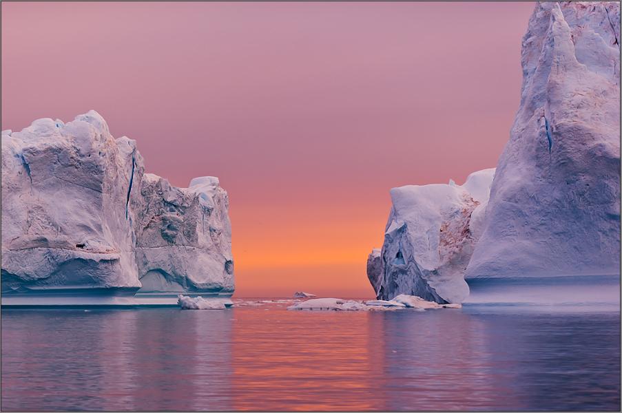 sie segeln dahin, die eisberge.