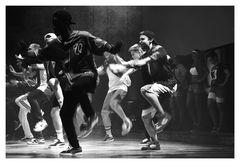 Sie tanzen für Johnny...