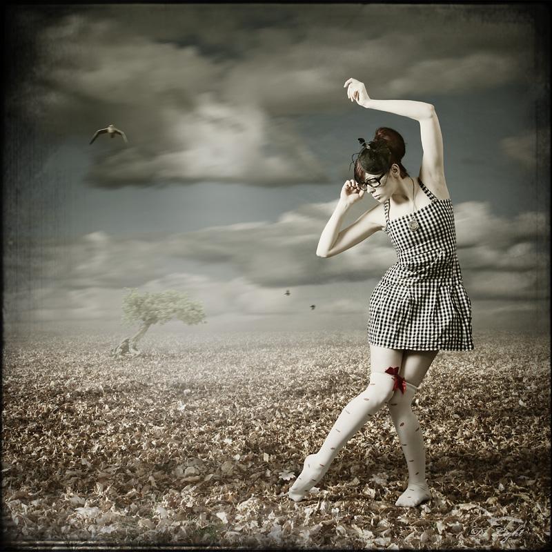 Sie wartete lange. Dann tanzte sie.