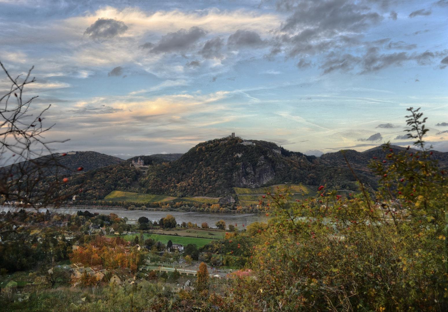 Siebengebirge, Drachenfels im Herbst 2013