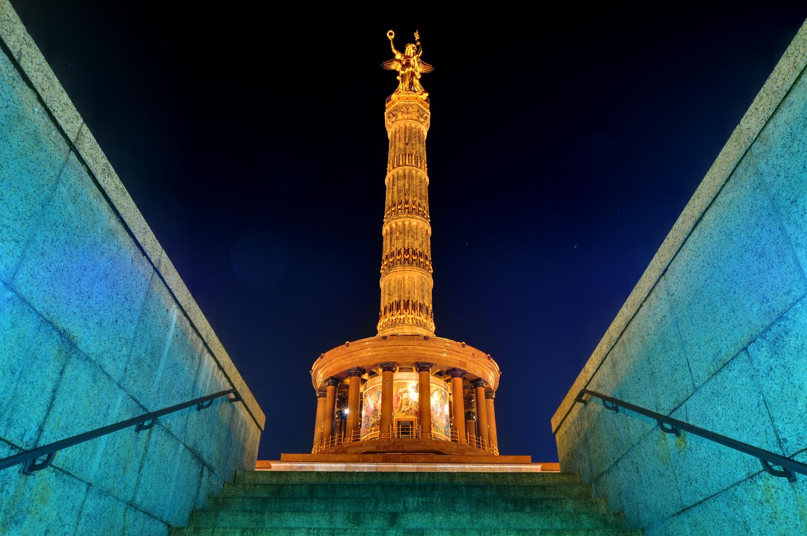 Siegessäule Berlin bei Nacht