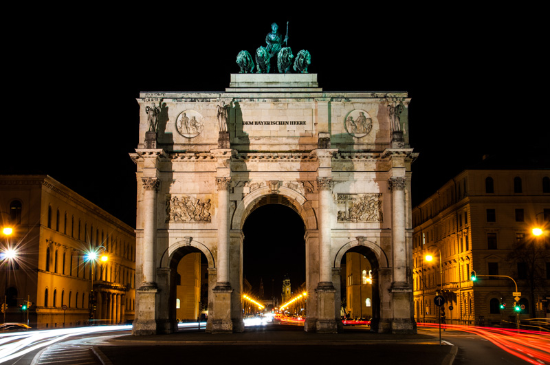 Siegestor in München - Long exposure