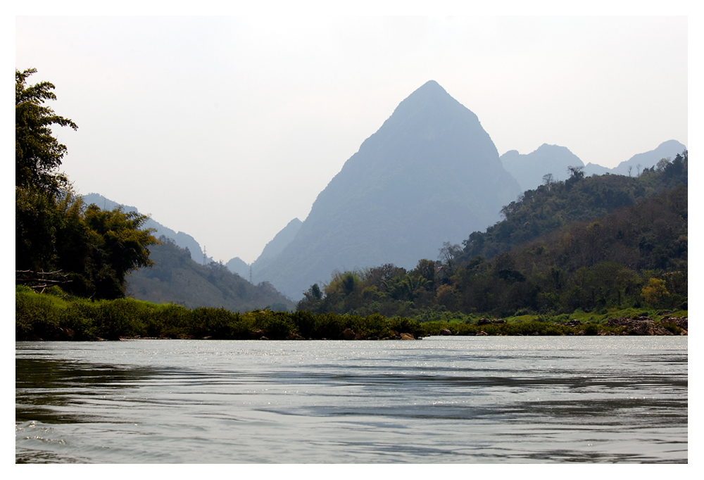 Sieh ein Gebirge, einen Berg, ein Meer, einen Fluß – und du hast alles gesehen. (Xenophon)
