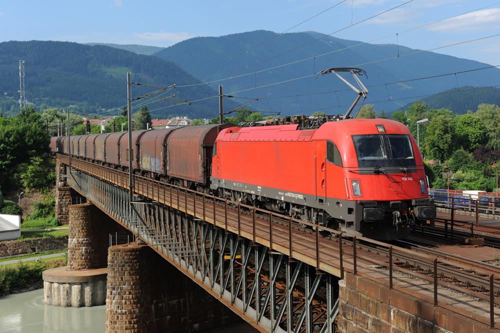 Siemens Vorführlok am Stahlzug.