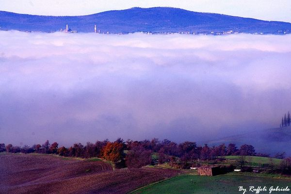 Siena e la Nebbia