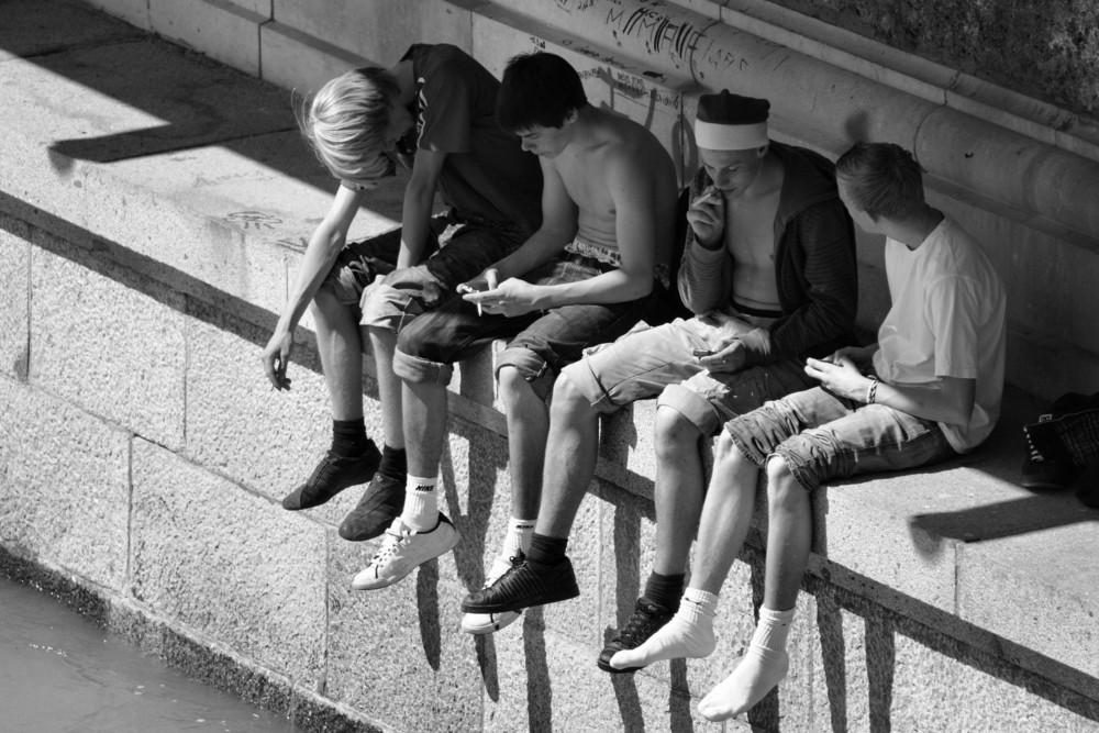Sigarette-Cellulari e Noia