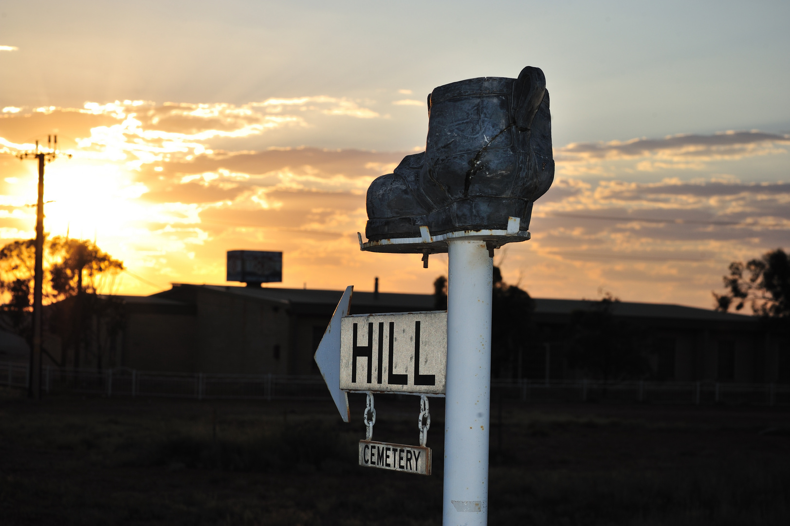 Sign to cemetery (seen in Coober Pedy)
