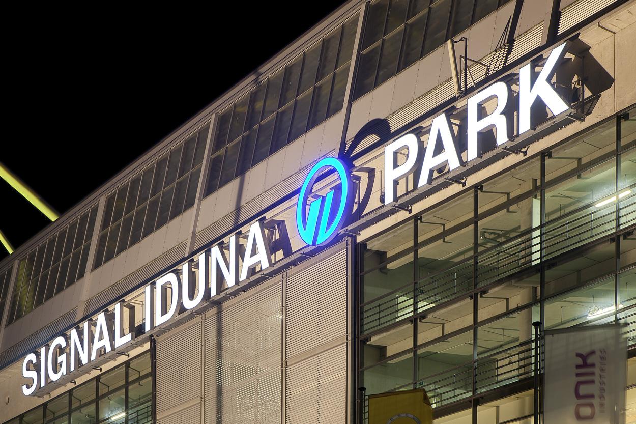 Signal Iduna Park - Der Name