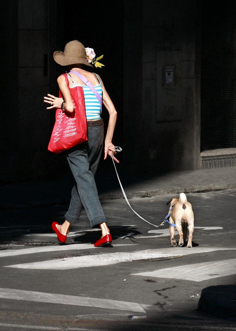 Signora con cagnolino