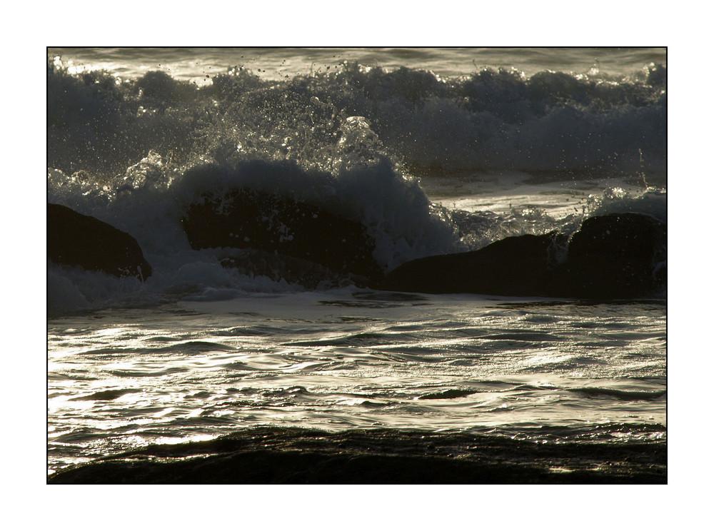 Silberne Wellen