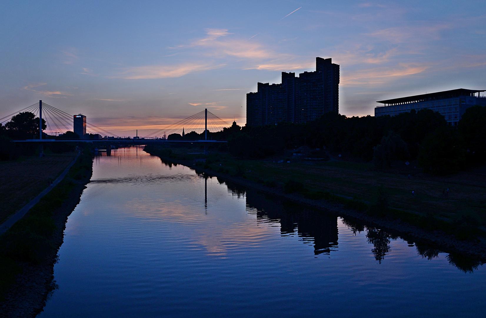 Silhouette am Neckar