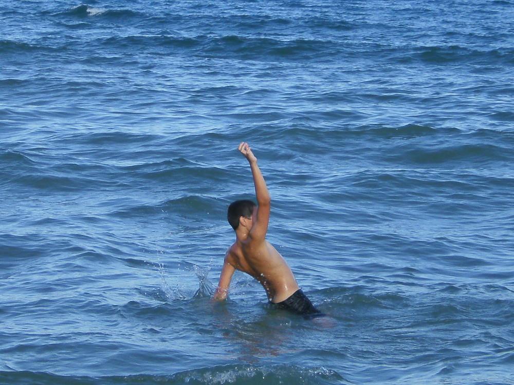silhouette dans la mer