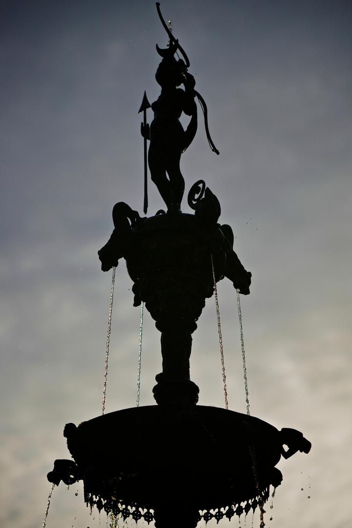 Silhouette des Lunabrunnens