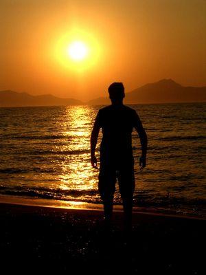 Silhouette im Sonnenuntergang auf der Insel Kos