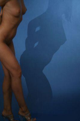 Silhouette in Blau