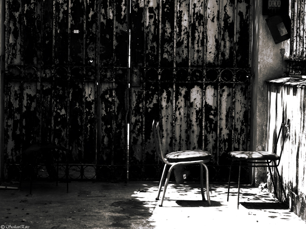 sillas conversando