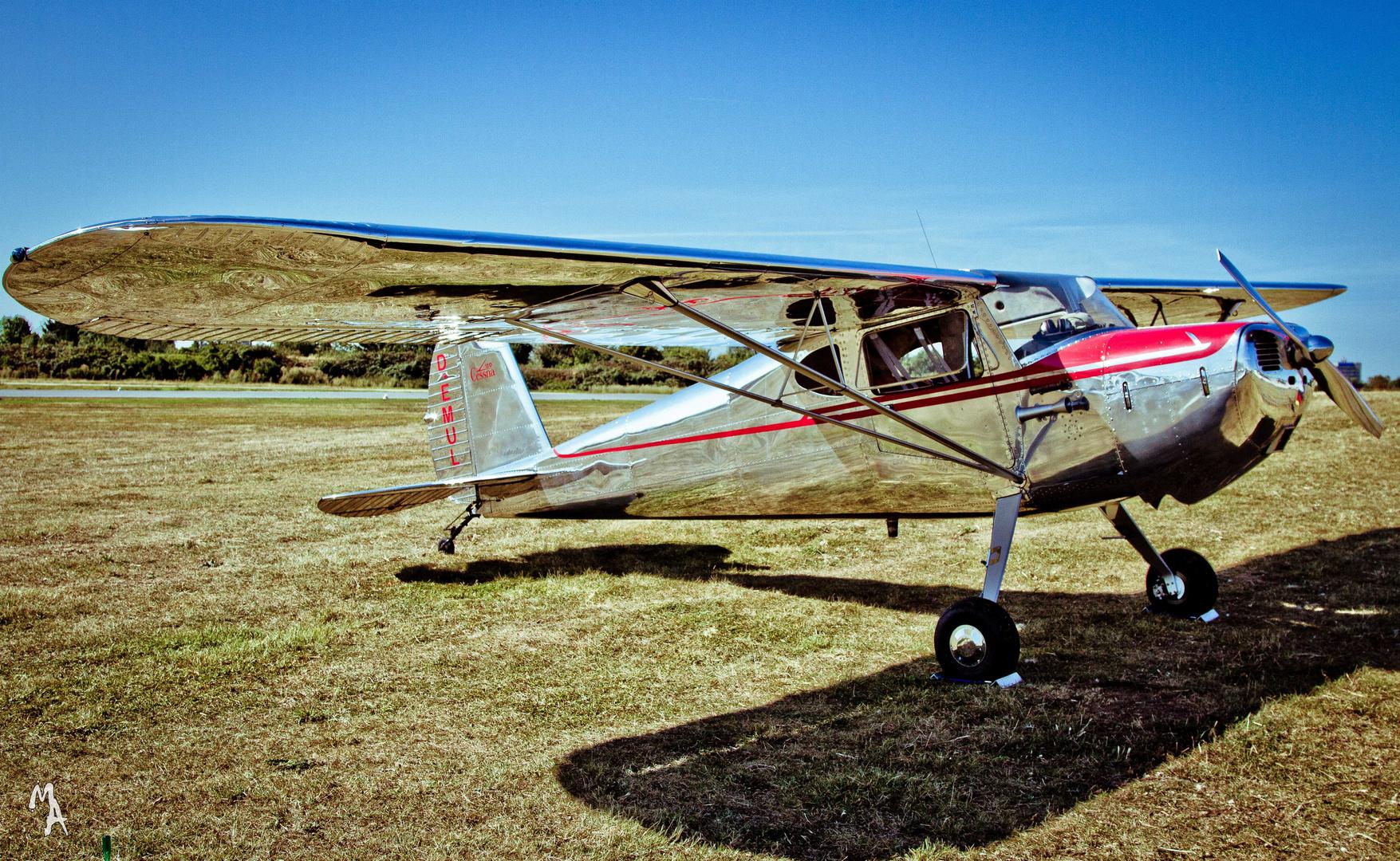 Silver Cessna