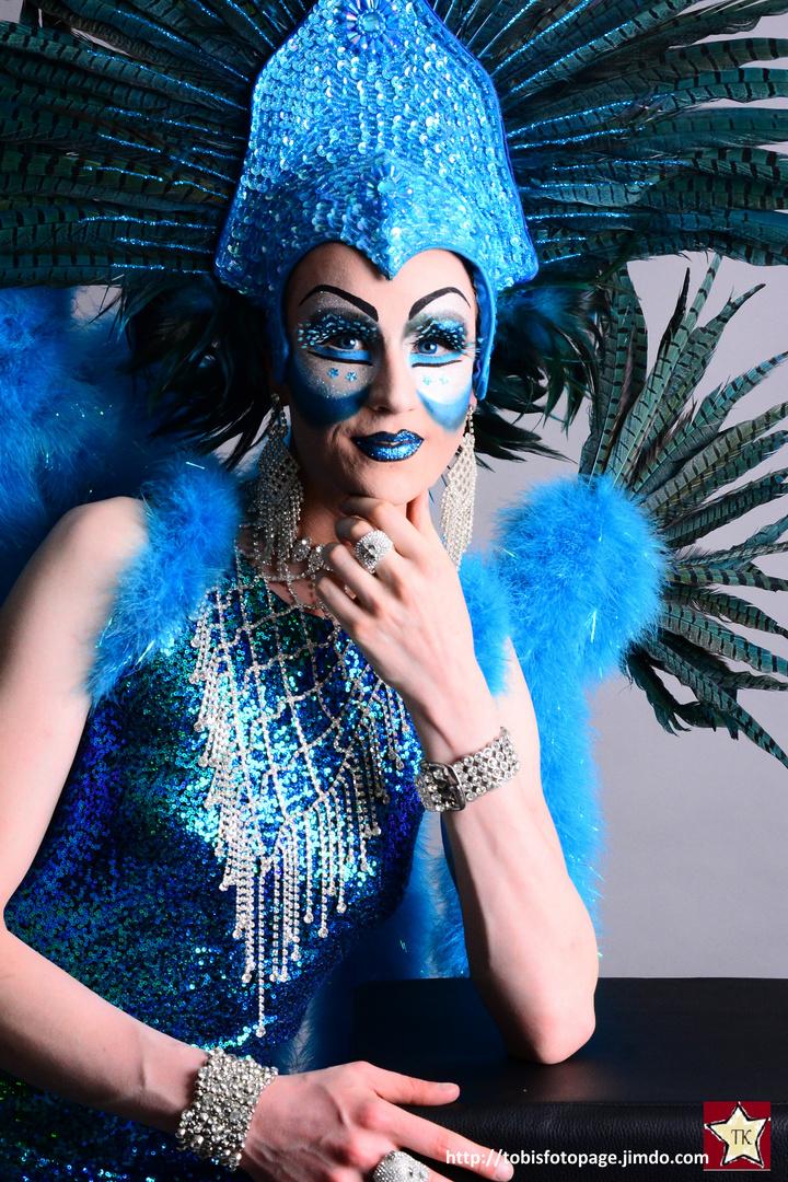 Sina Valentina goes Under the Sea
