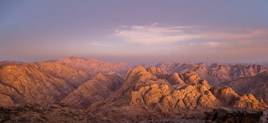 Sinai il monte delle tavole dei 10 comandamenti
