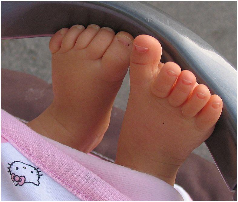 Sind so kleine Füße...