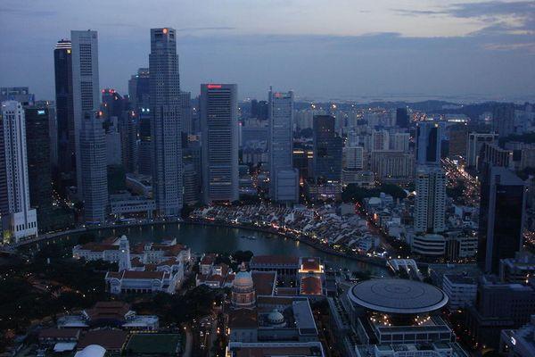Singapore bei Dämmerung