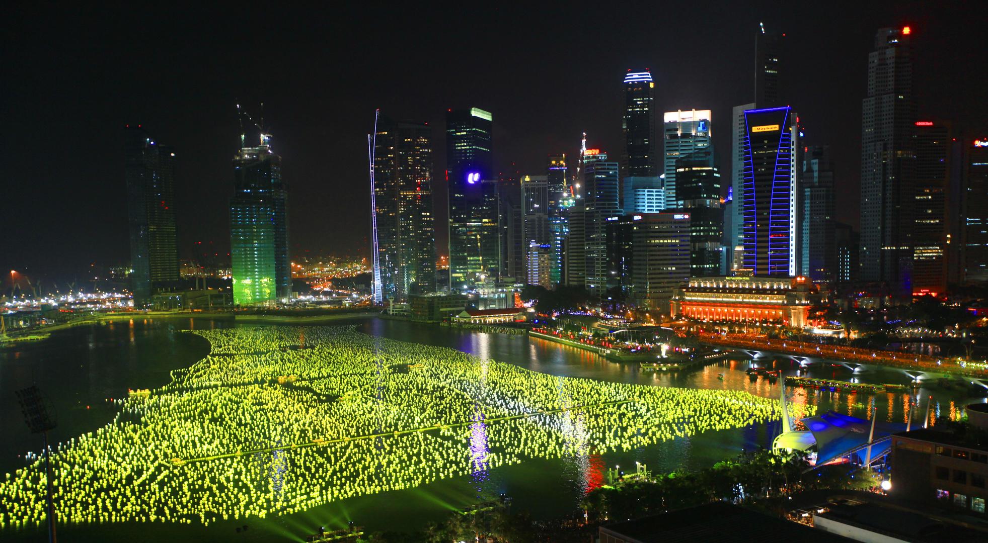 Singapur Hafen wenige Minuten vor Neujahr