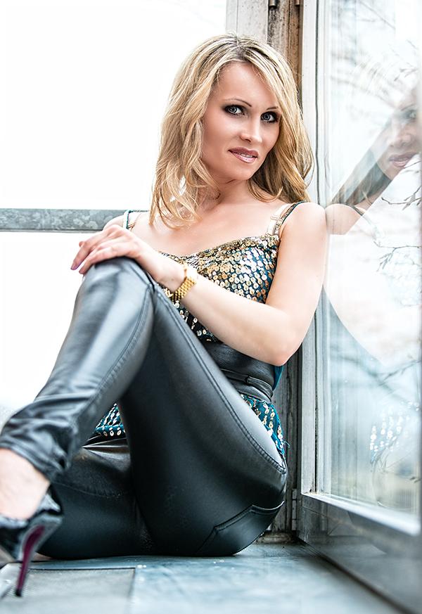 Singer Anna Schenk