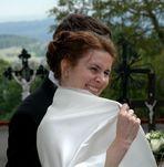 SKANDAL! Flash-Braut schockt Kreuzigungsopfer!