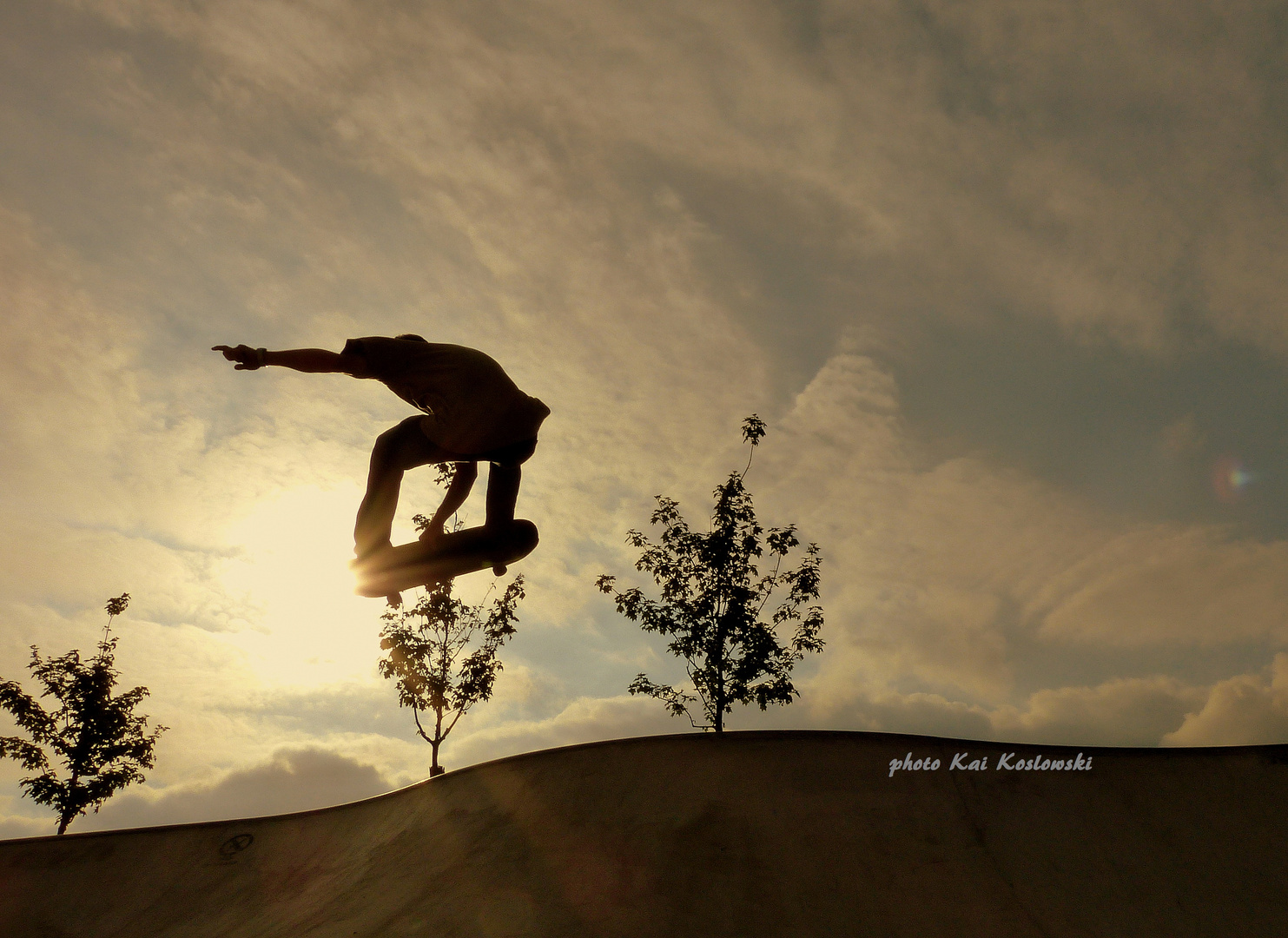 skateboarding-with the power of the sun