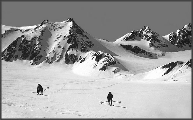 Skifahren in den frühnen 50er Jahren des letzten Jahrhunderts