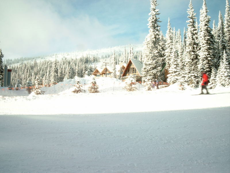 Skigebiet Big Wihte Kanada 2004-2005.Hotels mitten im Skigebiet.